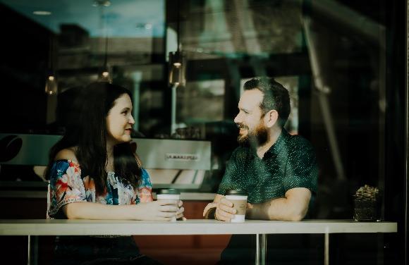 Dificuldades em se relacionar? Como iniciar conversa?